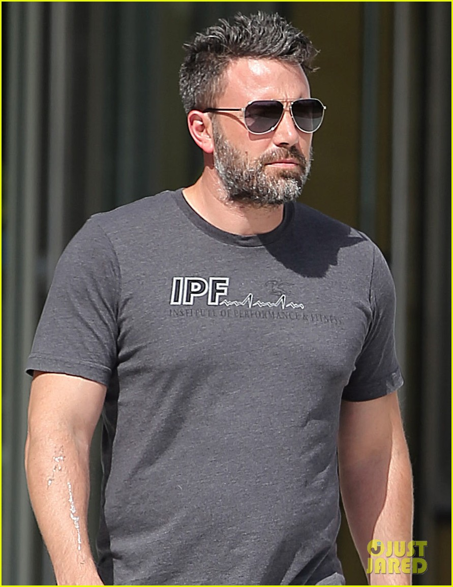 ben affleck to direct star in standalone batman movie 023412181