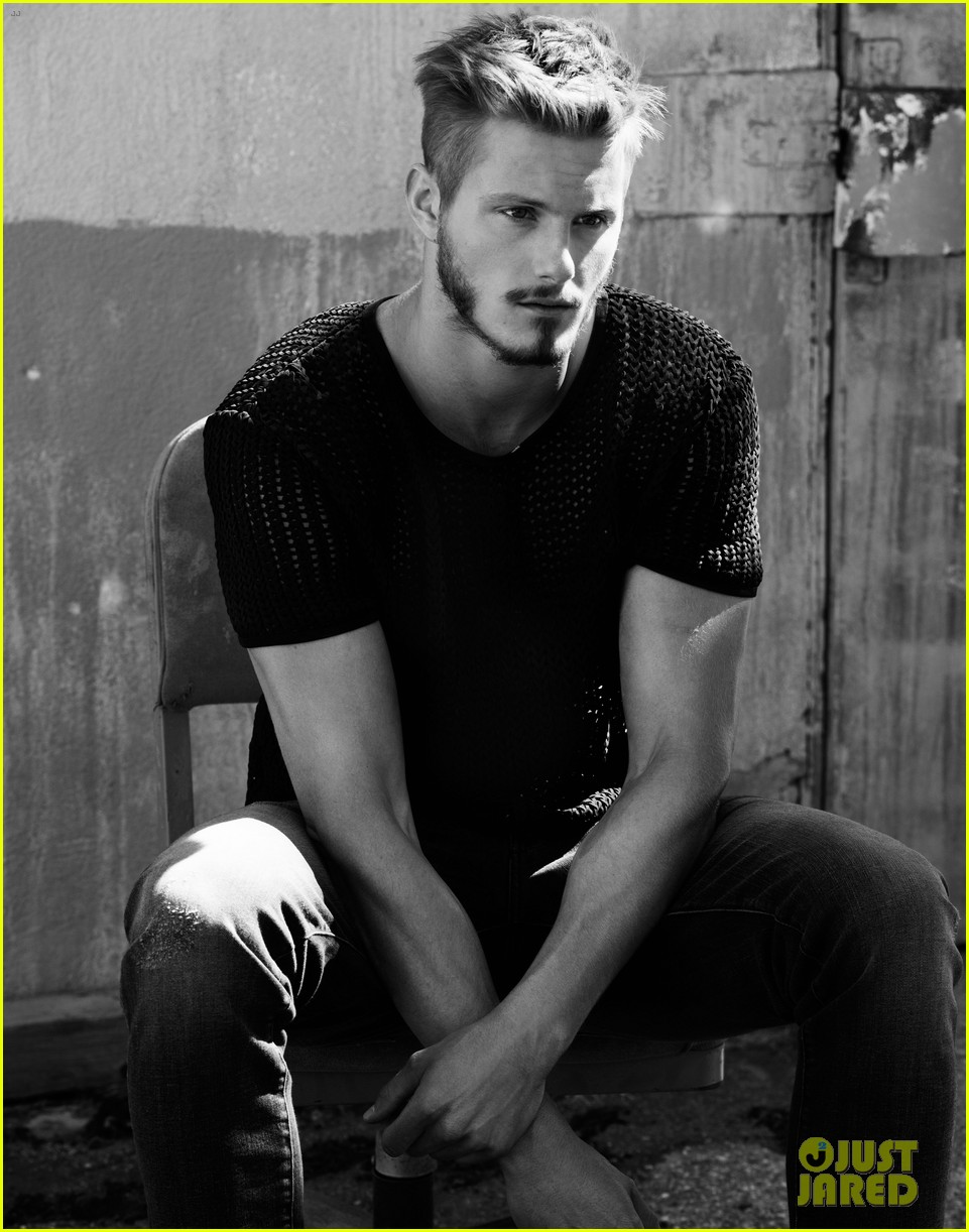 alexander ludwig flaunt shirtless underwear 10