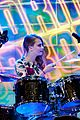 cara delevingne plays drums guitar el hormiguero spanish tv 13