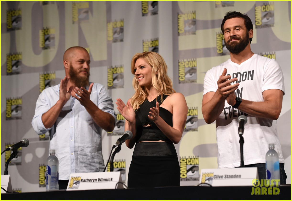 vikings cast steps out at comic con debuts new trailer 24