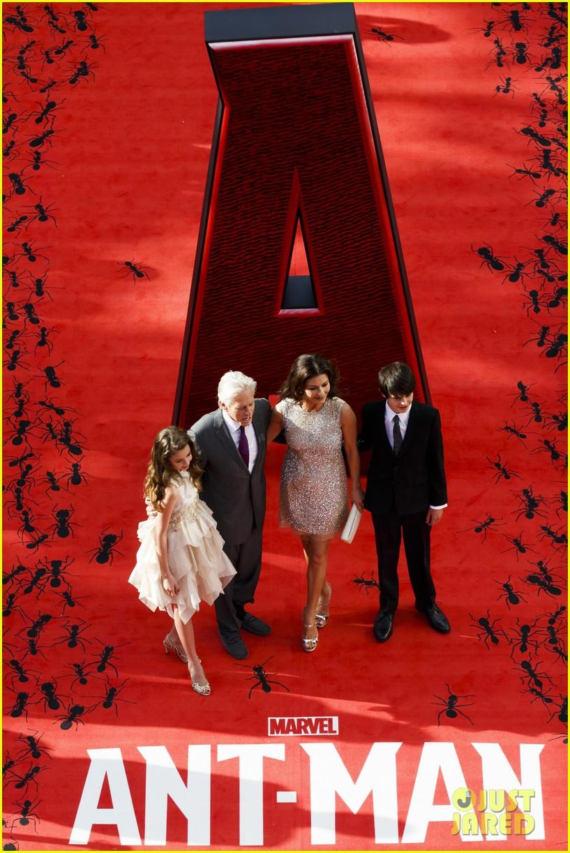 http://cdn02.cdn.justjared.com/wp-content/uploads/2015/07/zeta-ant/michael-douglas-catherine-zeta-jones-kids-ant-man-22.jpg
