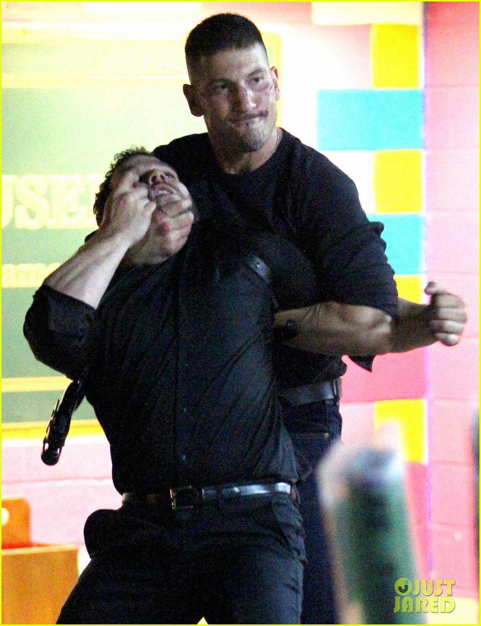 jon-bernthal-films-a-brutal-fight-scene-