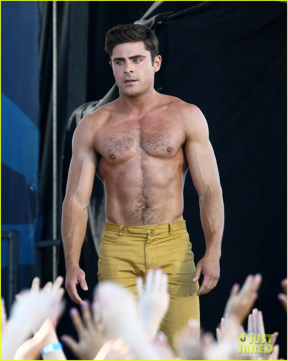 Full Sized Photo of zac efron shirtless baywatch movie 05