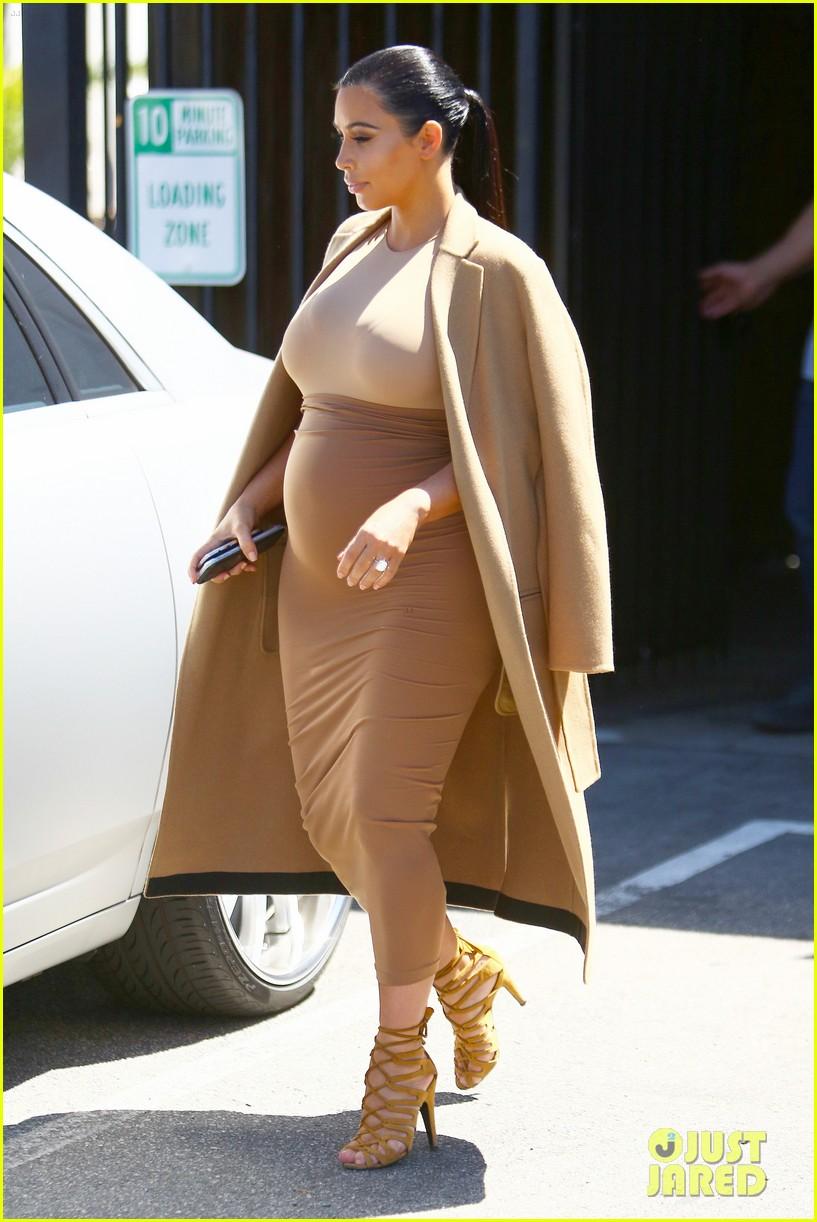 Kimberly Kim Noel Kardashian coniugata West Los Angeles 21 ottobre 1980 è un personaggio televisivo e imprenditrice statunitense Figlia di Robert Kardashian
