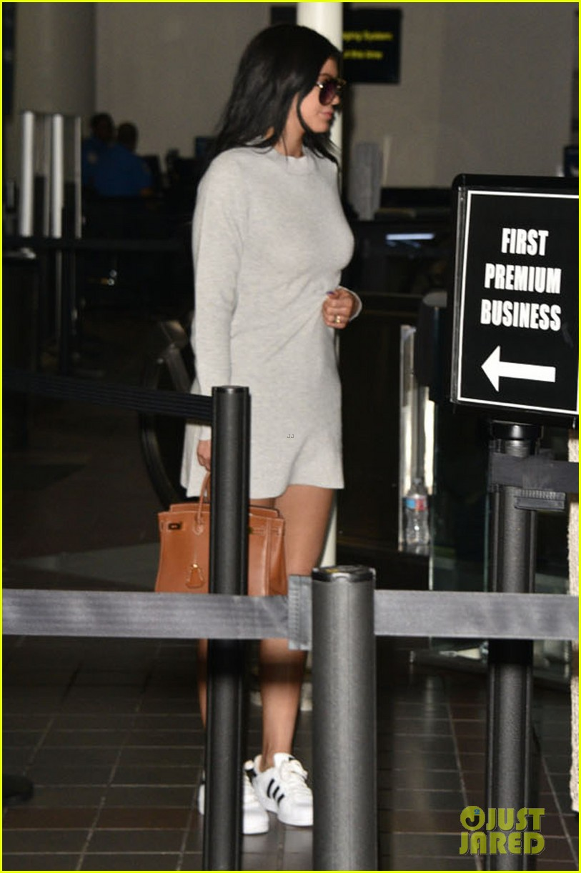 kylie u0026 kendall jenner head out u0026 about after birthday vacay in