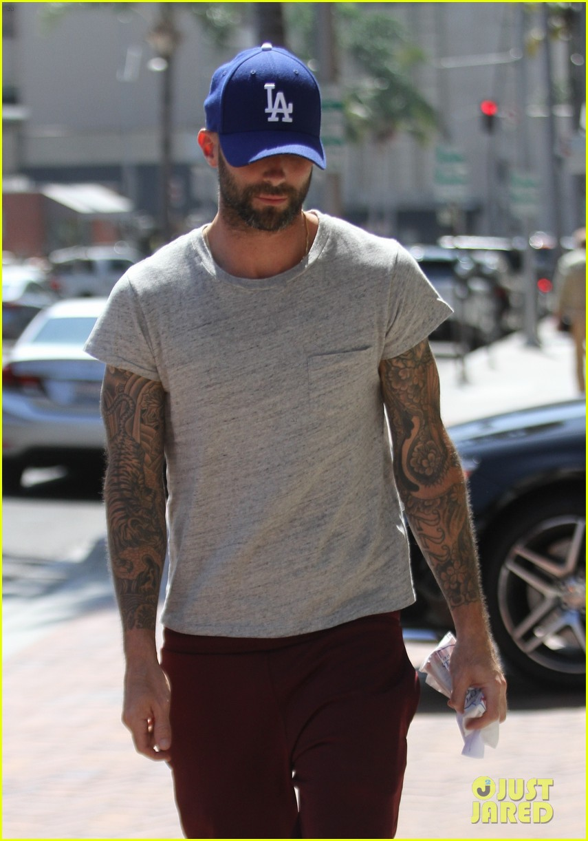 Adam Levine Tries To Stay Humble With Private Jet Photo Photo 3448215  Adam