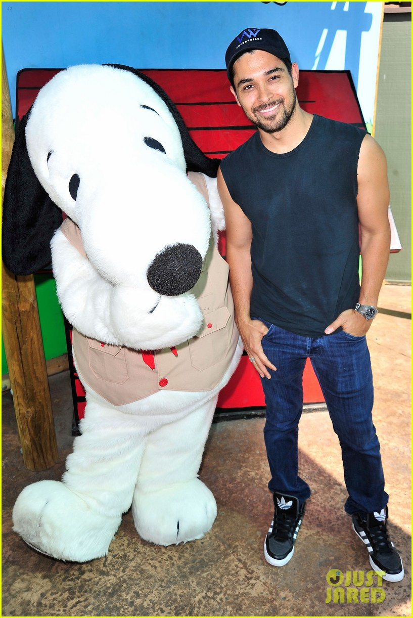 wilmer valderrama and demi lovato relationship with her dad