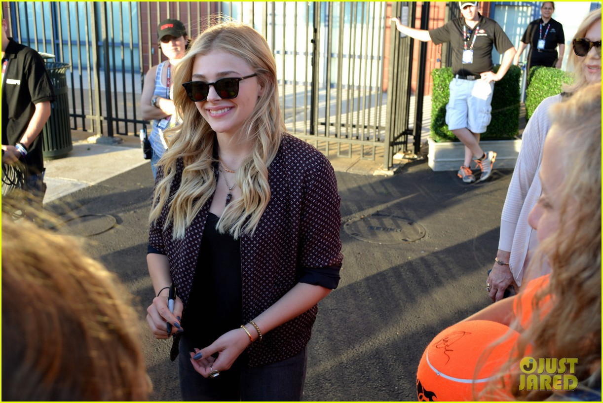 Chloe moretz stays stylish while checking out the u s open photo