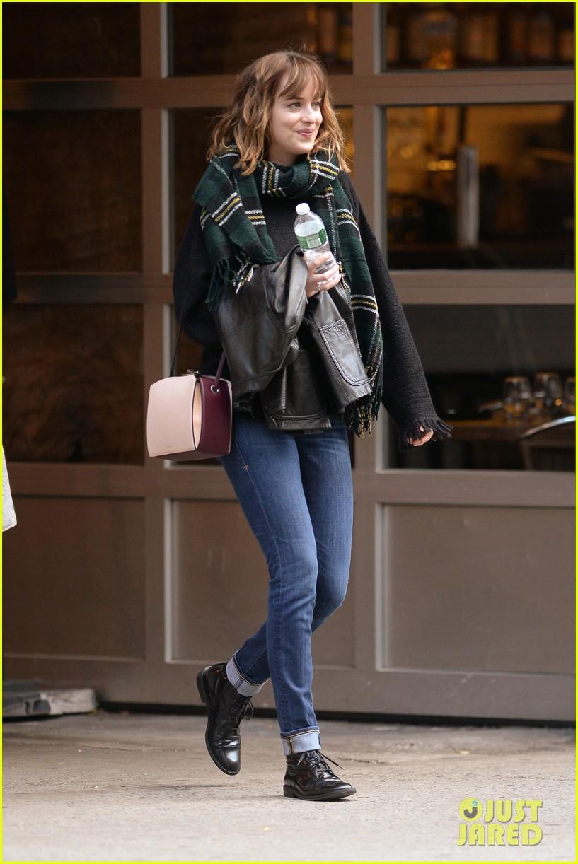 Full Sized Photo Of Dakota Johnson Laughs At Fifty Shades Of Grey 26 Photo 3485129 Just Jared