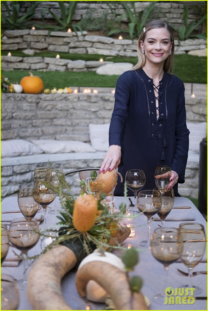 jaime king hosts feastgiving at her home 17