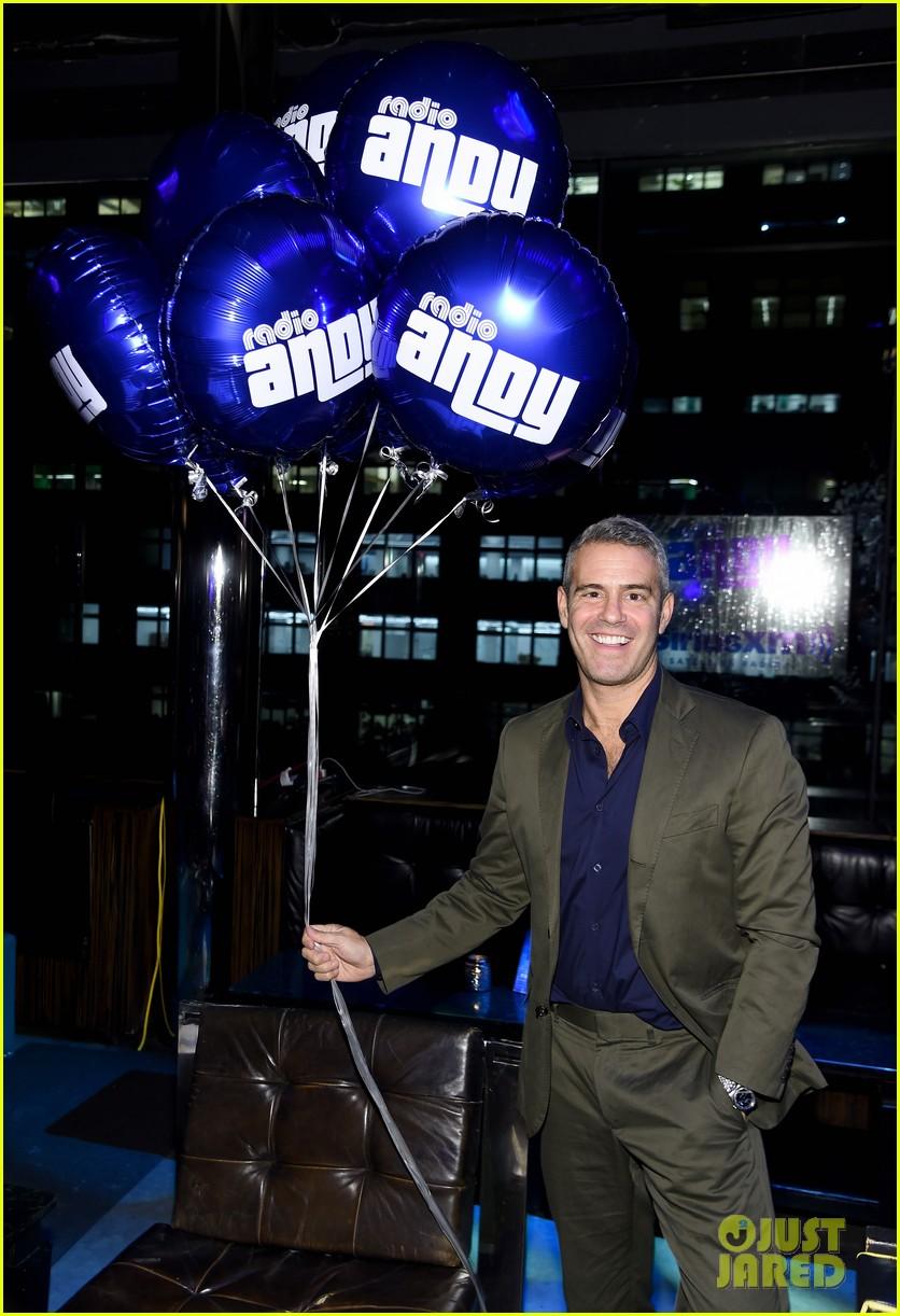 Sensational John Mayer Helps Andy Cohen Celebrate At Radio Andy Siriusxm Easy Diy Christmas Decorations Tissureus