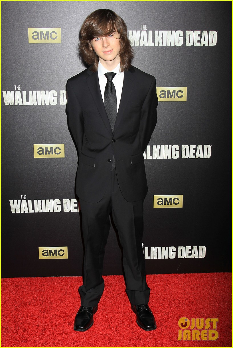 chandler riggs en couple
