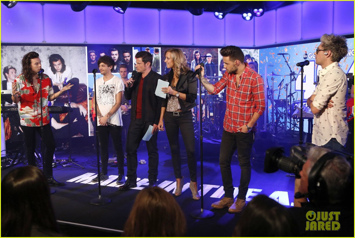 Good Morning America Performances : One direction performs made in the a m tracks on gma