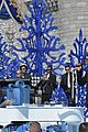 ariana grande seal jason derulo more disney christmas parade 16