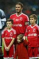 david beckham brings his 4 kids to charity soccer game 02