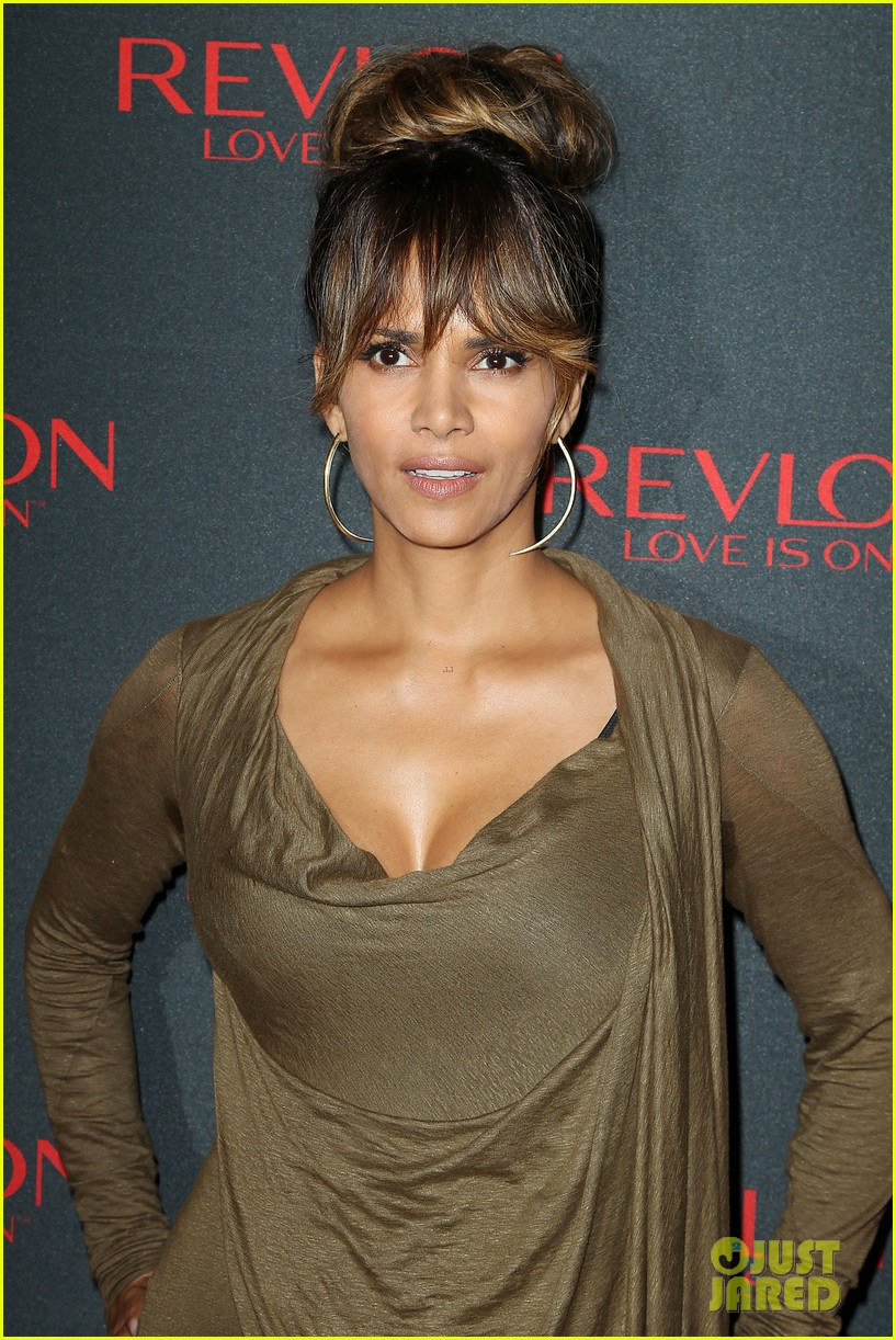 Halle Berry Stuns at Revlon's NYC Event with Olivia Wilde: Photo ...