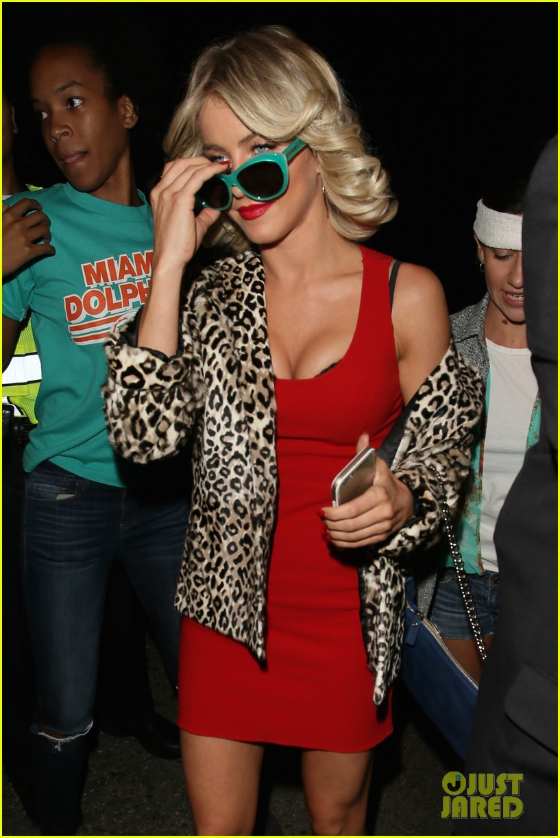 Julianne Hough Brings 'True Romance' To Life At Casamigos ...