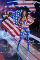 kendall jenner gigi hadid victorias secret fashion show 2015 06