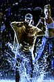 justin bieber amas 2015 performance in rain 10