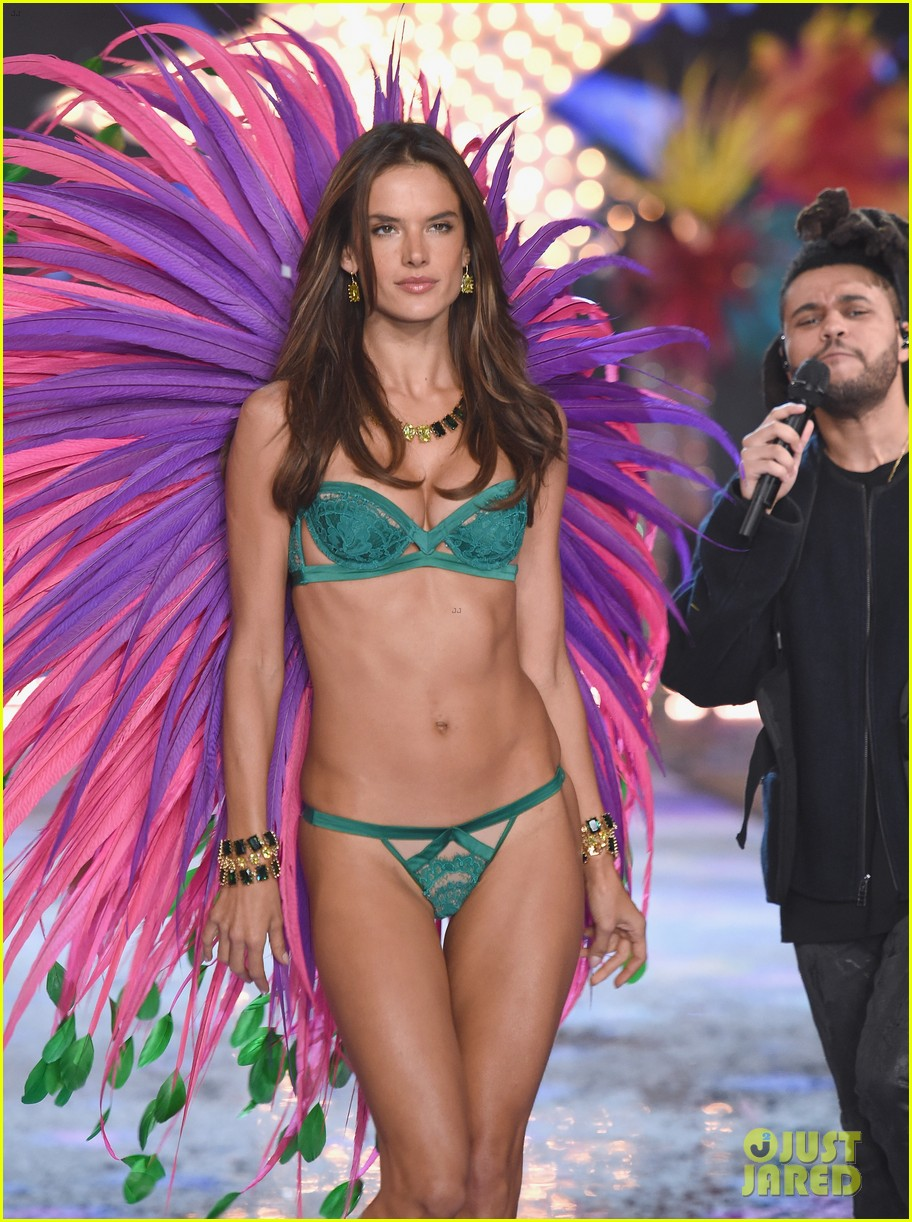 Victorias Secret Show 2018 >> Full Sized Photo of adriana lima alessandra ambrosio victorias secret fashion show 2015 26 ...