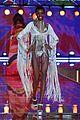 adriana lima alessandra ambrosio victorias secret fashion show 2015 16