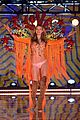 behati prinsloo victorias secret fashion show 2015 09