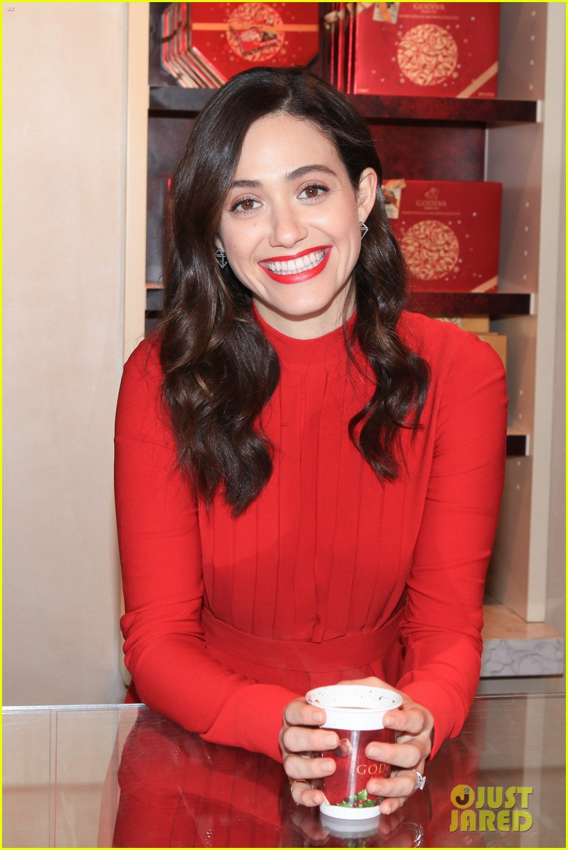 emmy rossum hosts hot chocolate for a cause benefit 07