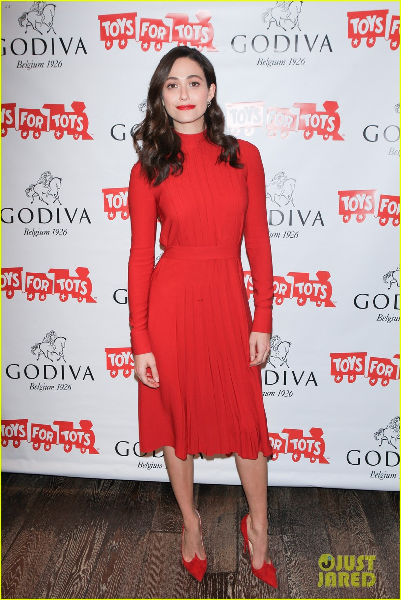 emmy rossum hosts hot chocolate for a cause benefit 10
