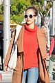jessica alba goes shopping in coat 13