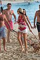 simon cowell continues christmas vacation with his family 10