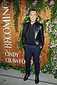 cindy crawford her family celebrate her book 15