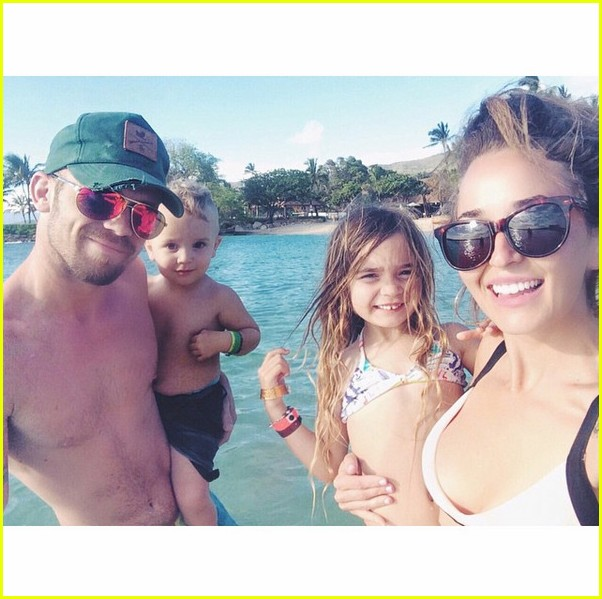 cam gigandet wife dominique welcome third child 053519885