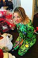 khloe kardashian lets north do her makeup on christmas morning 01
