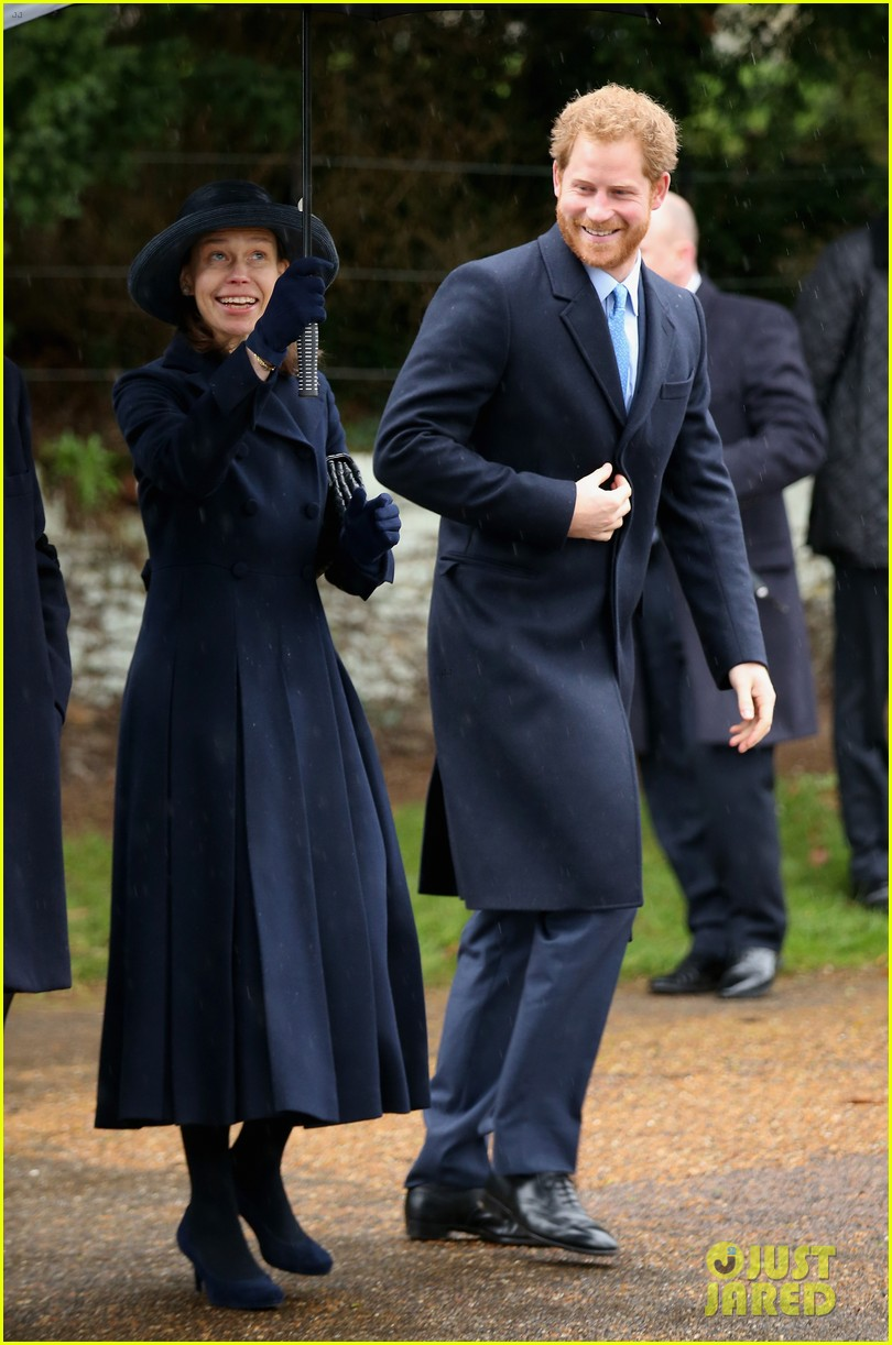 Kate Middleton & Prince William Celebrate Christmas with the Royal ...