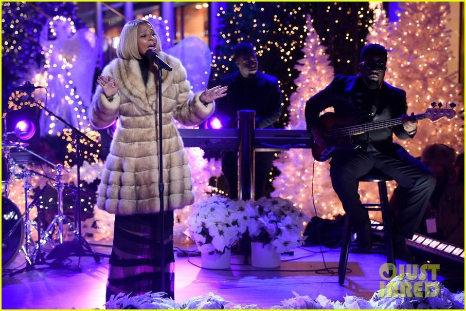 Rockefeller Center Christmas Tree Lighting 2015