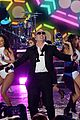 pitbull new years eve medley 2016 01