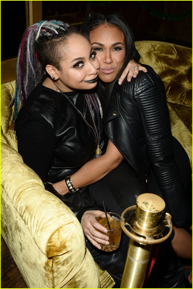 raven symone and her girlfriend nude picture