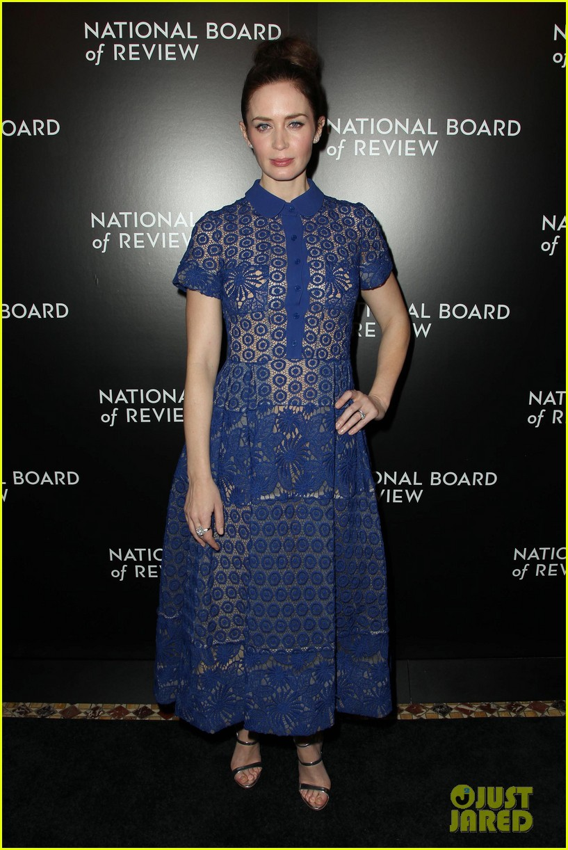 emily blunt puts the spotlight on sicario at nbr awards gala 243544056