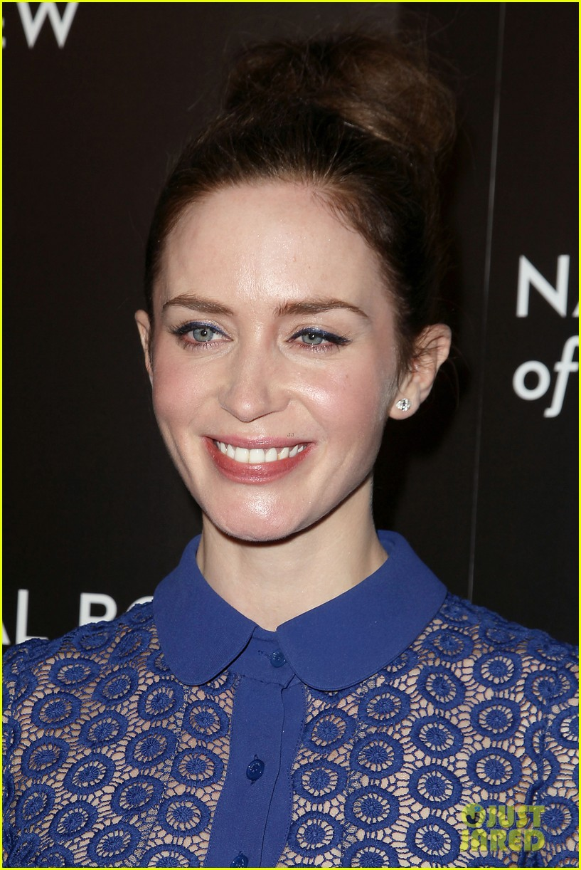 emily blunt puts the spotlight on sicario at nbr awards gala 363544068