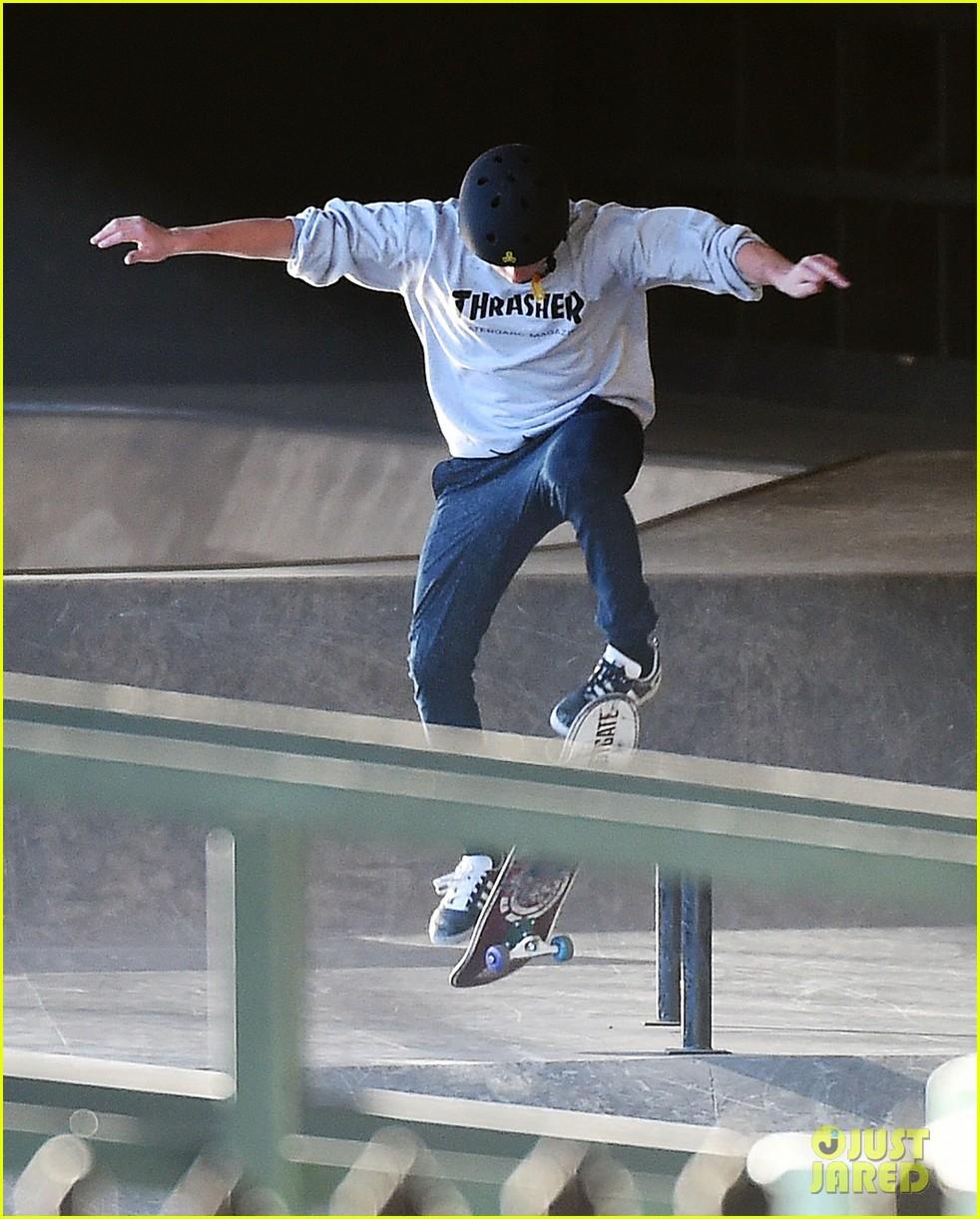 Dean Parrish - Skate (Part 1 / Part 2)