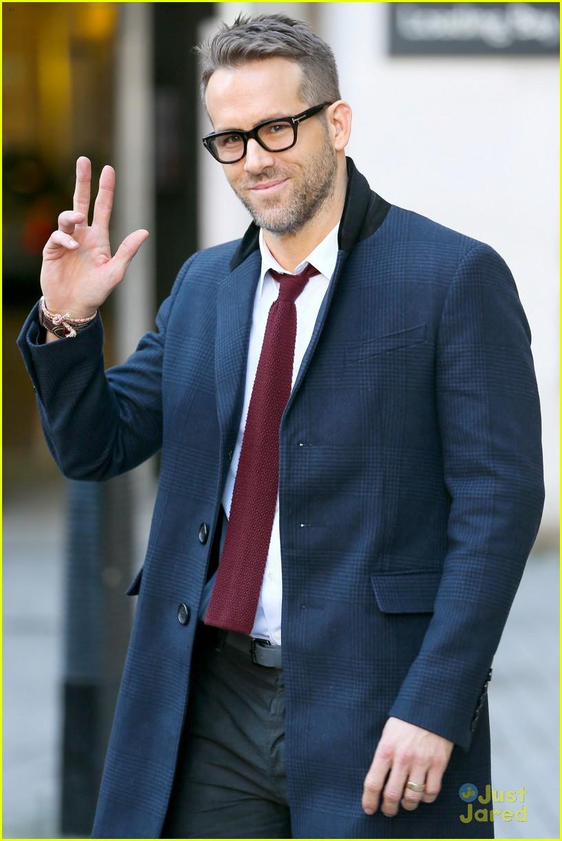Full Sized Photo of ry... Ryan Reynolds