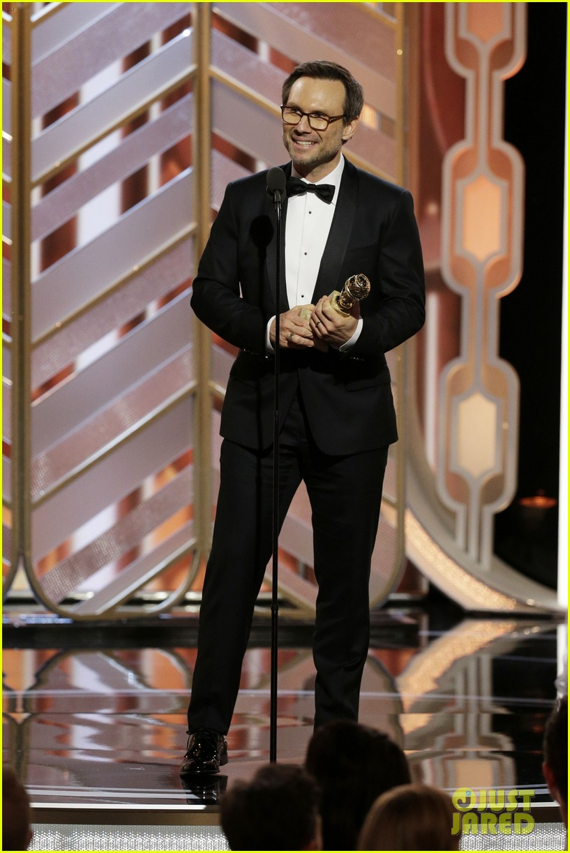 Mr Robot WINS Best Drama TV Series at Golden Globes 2016