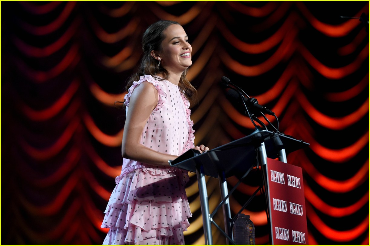 Alicia Vikander Michael Fassbender Walk Palm Springs Gala Red Carpet Seperately Photo 3542431 Pictures Just Jared