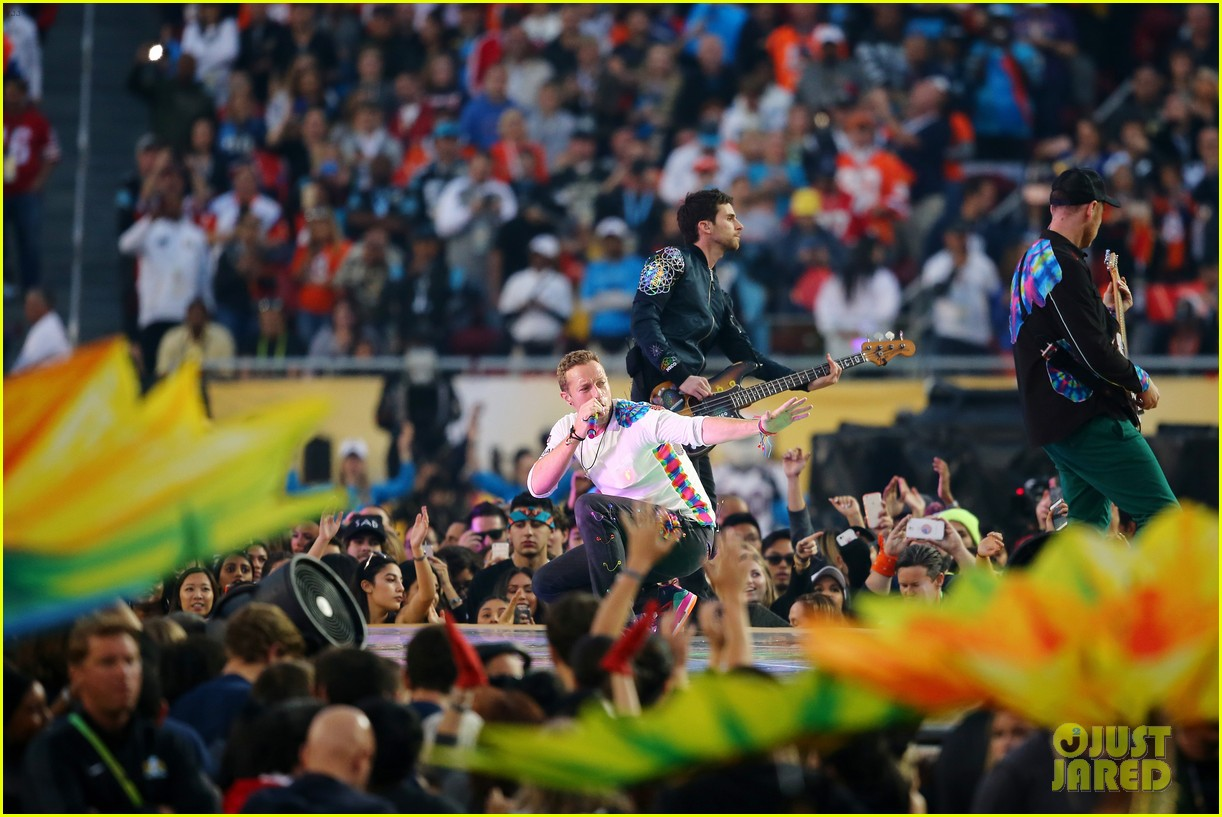 Coldplay: Super Bowl Halftime Show 2016 Video - WATCH NOW ...
