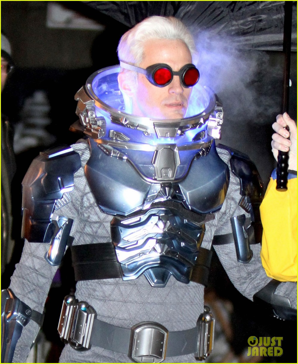 nathan darrow as mr freeze on gotham first look photos 10