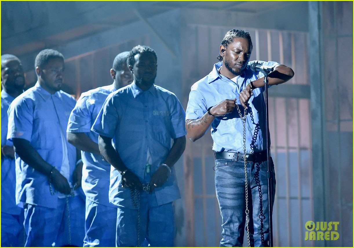 Kendrick Lamar's Grammys 2016 Performance: Photo 3579854 ...
