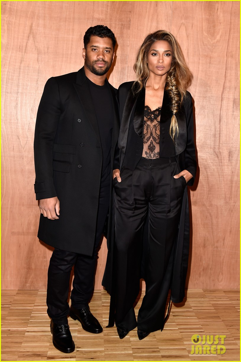 ciara is engaged to russell wilson 033603266