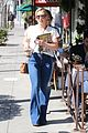 hilary duff shops then goes to airport 02