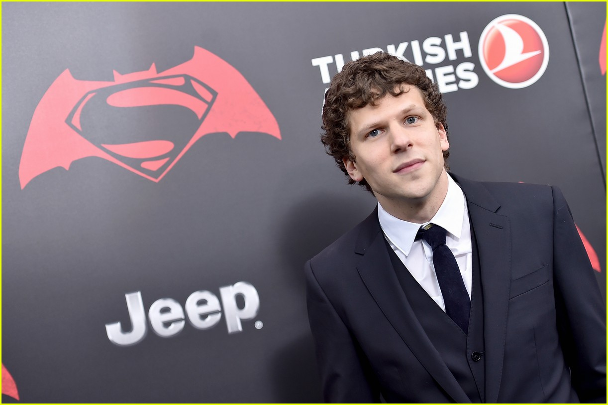 gal gadot eisenberg batman superman premiere ny 10
