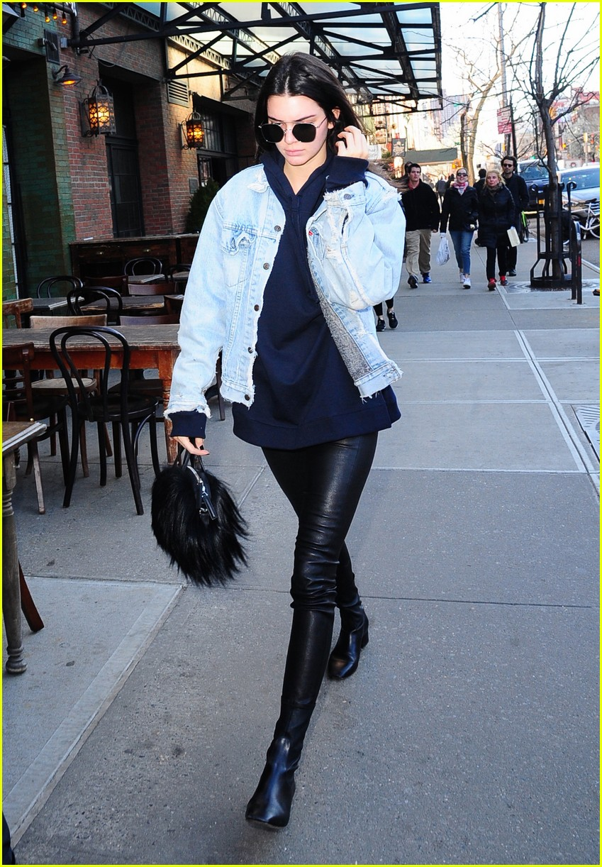 kendall jenner literal parazzi run in 163617020